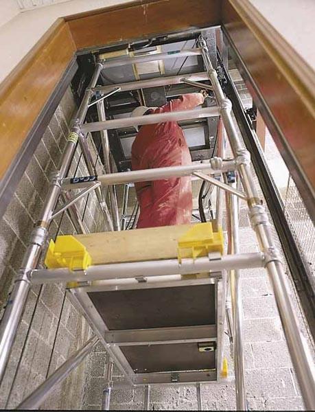 Duralové lešení Boss pro montáž ve výtahových šachtách